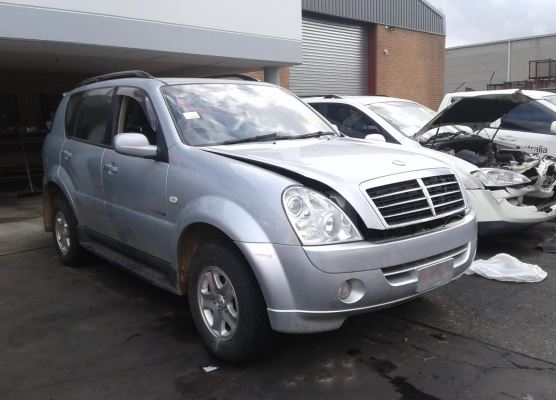 2008 SSANGYONG REXTON 2.7L DIESEL TURBO F/INJ TIMING COVER