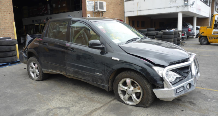 2011 SSANGYONG ACTYON C100 2.0L DIESEL TURBO F/INJ DIFF COMPLETE REAR