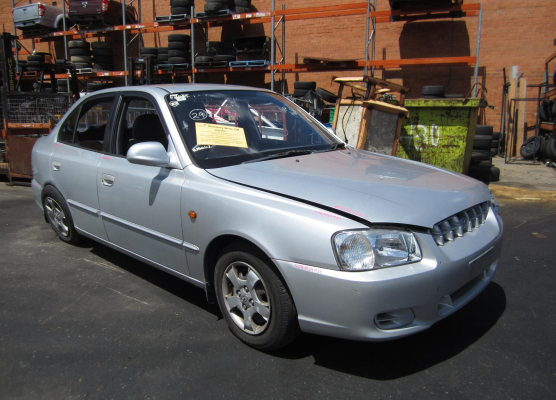 2000 HYUNDAI ACCENT LC 1.5L MULTI POINT F/INJ BOOT LID