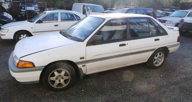 1993 FORD LASER CARBURETTOR (1)