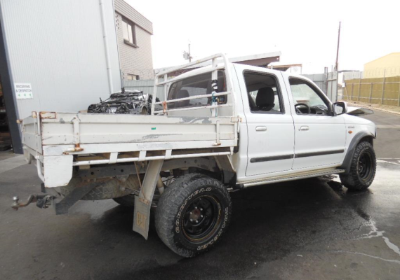 2004 FORD COURIER ENGINE LONG