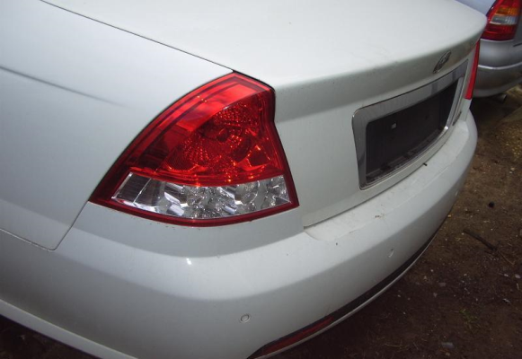 2006 HOLDEN COMMODORE VZ BAR REAR COMPLETE
