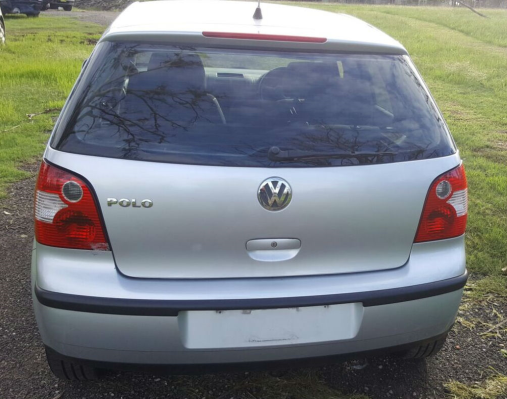 2002 VOLKSWAGEN POLO 9N S 4 SP AUTOMATIC 1.4L MULTI POINT F/INJ GRILLE