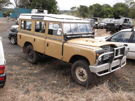 1974 LAND ROVER (4x4) LWB 1240KG 4 SP MANUAL 4X4 2.3L CARB LPG TANK
