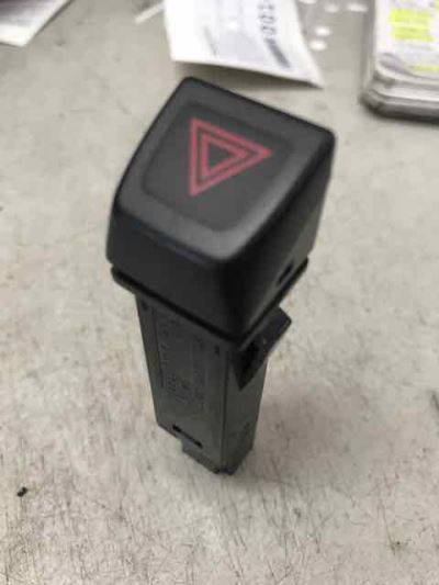2010 VOLVO C30 MY10 T5 5 SP AUTOMATIC GEARTRONIC 2.5L TURBO MPFI HAZARD LIGHT SWITCH