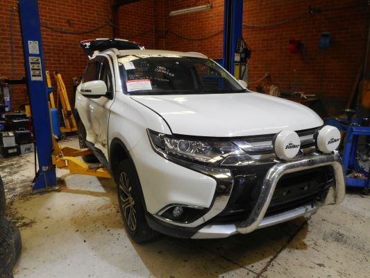 2015 MITSUBISHI OUTLANDER ZK MY16 LS (4X4) CONTINUOUS VARIABLE 2.4L MULTI POINT F/INJ DOOR MIRROR ELECTRIC LF