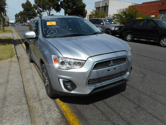 2015 MITSUBISHI ASX XB MY15 LS (2WD) CONTINUOUS VARIABLE 2.0L MULTI POINT F/INJ WASHER TANK & MOTOR FRONT