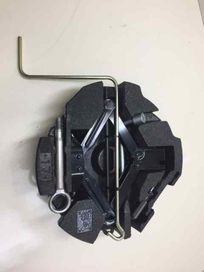 2014 SUBARU FORESTER MY14 2.5I CONTINUOUS VARIABLE 2.5L MULTI POINT F/INJ JACK & HANDLE