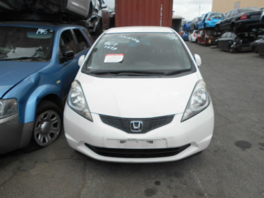 2009 HONDA JAZZ GE GLi 5 SP AUTOMATIC 1.3L MULTI POINT F/INJ GRILLE