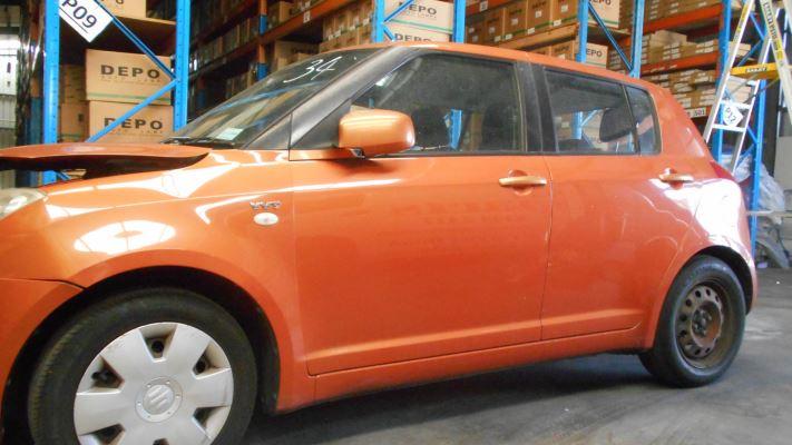2005 SUZUKI SWIFT EZ S 5 SP MANUAL 1.5L MULTI POINT F/INJ TAIL LIGHT RIGHT