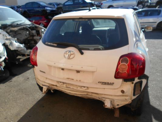 2009 TOYOTA COROLLA ZRE152R ASCENT 4 SP AUTOMATIC 1.8L MULTI POINT F/INJ FOG LIGHT COVER