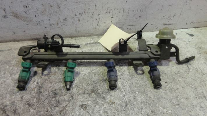 2001 FORD LASER KQ SR2 4 SP AUTOMATIC 2.0L MULTI POINT F/INJ FUEL INJECTOR (SET)