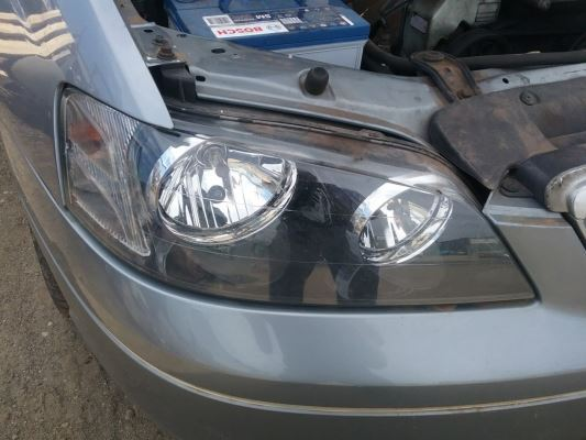 2002 FORD FAIRMONT BA GHIA 4 SP AUTO SEQ SPORTS 4.0L MULTI POINT F/INJ HEADLIGHT RIGHT