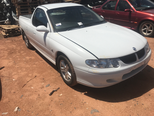 2001 HOLDEN COMMODORE VU S 5 SP MANUAL 3.8L MULTI POINT F/INJ ENGINE LONG