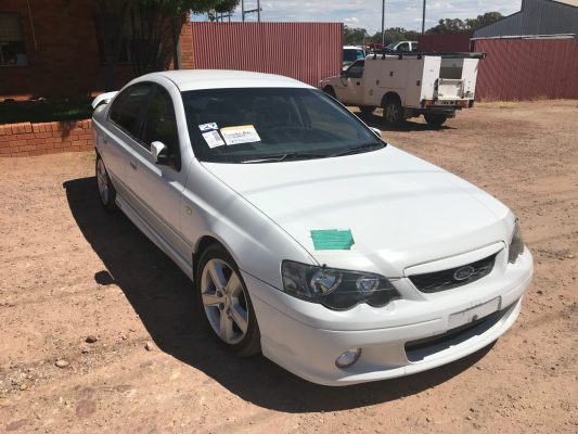 2003 FORD FALCON BA XR6 4 SP AUTO SEQ SPORTSHIFT 4.0L MULTI POINT F/INJ DIFF CENTRE REAR