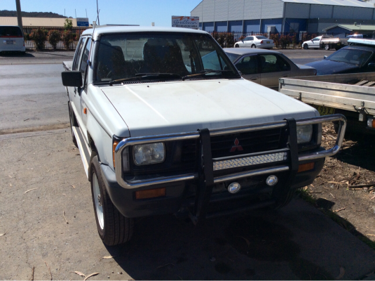 1993 MITSUBISHI TRITON MJ STD (4x4) 5 SP MANUAL 4x4 2.6L CARB BULL BAR FRONT