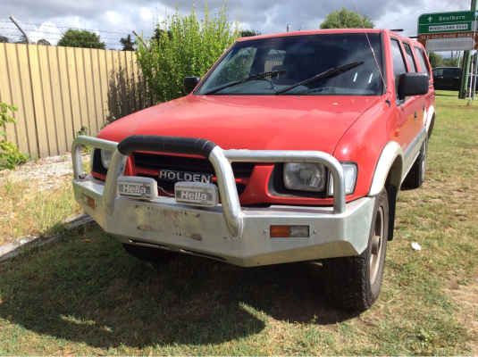 1998 HOLDEN RODEO TFR9 LX (4x4) 5 SP MANUAL 3.2L MULTI POINT F/INJ GRILLE