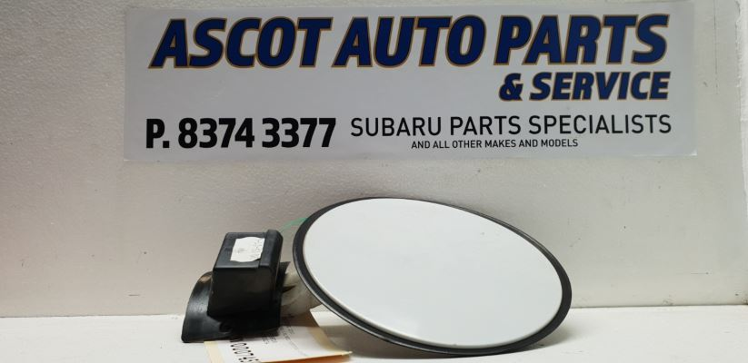 2001 HOLDEN COMMODORE VX EXECUTIVE 4 SP AUTOMATIC 3.8L MULTI POINT F/INJ FUEL FLAP