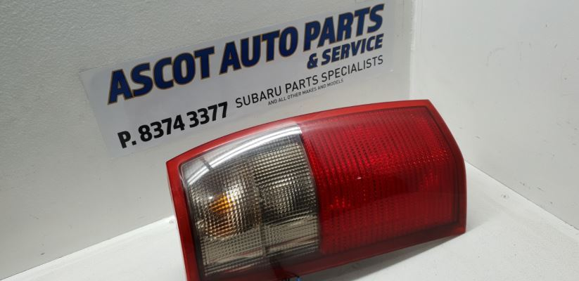 2001 HOLDEN COMMODORE VX EXECUTIVE 4 SP AUTOMATIC 3.8L MULTI POINT F/INJ TAIL LIGHT LEFT