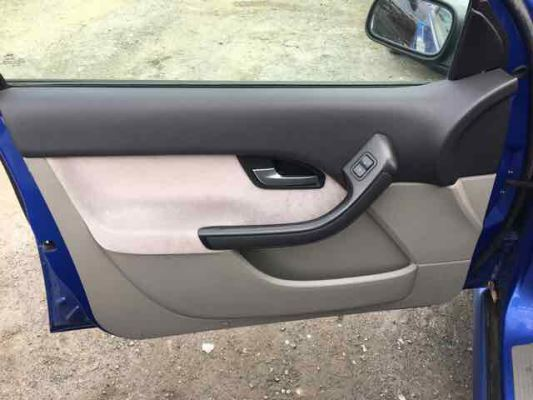 2004 FORD FALCON BA XT 4 SP AUTO SEQ SPORTS 4.0L MULTI POINT F/INJ DOOR TRIM LF