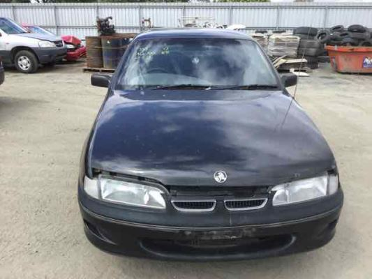 1995 HOLDEN COMMODORE VS ACCLAIM 4 SP AUTOMATIC 3.8L MULTI POINT F/INJ DOOR 1/4 GLASS LR