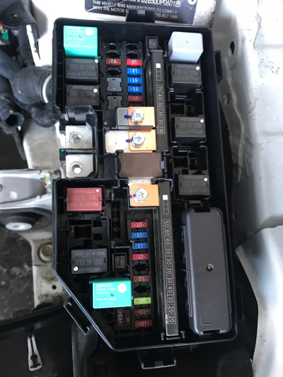 2014 Honda Civic 5 Sp Automatic 1 8l Multi Point F  Inj Engine Bay Fuse Box