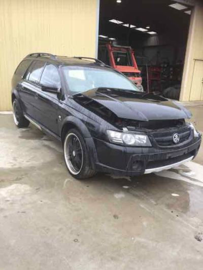 2005 HOLDEN ADVENTRA VZ LX8 4 SP AUTOMATIC 5.7L MULTI POINT F/INJ BAR REAR COMPLETE