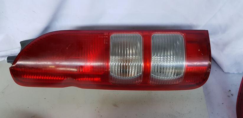 2008 TOYOTA HIACE TAIL LIGHT LEFT