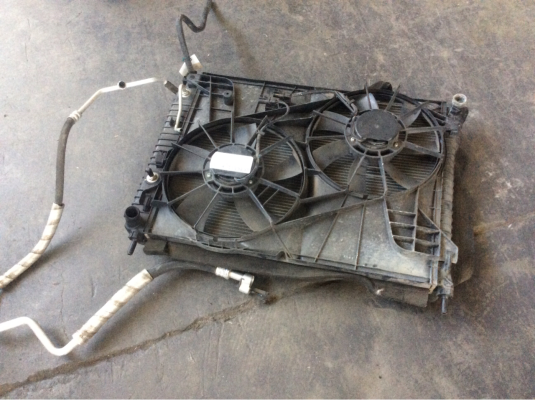 2007 HOLDEN CAPTIVA CG LX (4x4) 5 SP AUTOMATIC 3.2L MULTI POINT F/INJ RADIATOR FAN ASSEMBLY