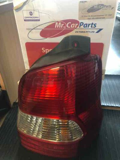 2000 MAZDA 121 DW Series METRO 4 SP AUTOMATIC 1.5L ELECTRONIC F/INJ TAIL LIGHT RIGHT