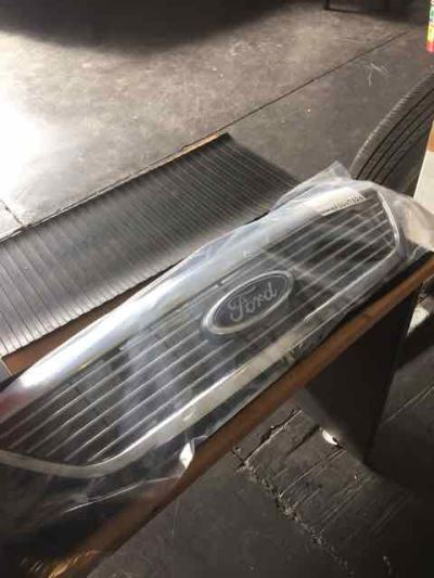 2005 FORD FAIRLANE BA GHIA 4 SP AUTOMATIC 4.0L MULTI POINT F/INJ GRILLE