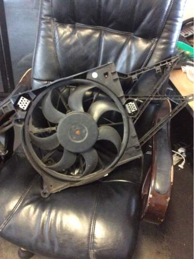 2003 HOLDEN ASTRA TS CONVERTIBLE 4 SP AUTOMATIC 2.2L MULTI POINT F/INJ RADIATOR FAN ASSEMBLY