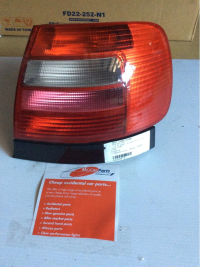 1996 AUDI A4 1.8 5 SP MANUAL 1.8L MULTI POINT F/INJ TAIL LIGHT RIGHT