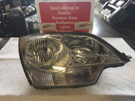 2009 HOLDEN CAPTIVA CG MY10 5 (FWD) 5 SP MANUAL 2.4L MULTI POINT F/INJ HEADLIGHT RIGHT