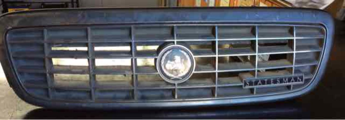 1994 HOLDEN STATESMAN VR V8 4 SP AUTOMATIC 5.0L MULTI POINT F/INJ GRILLE