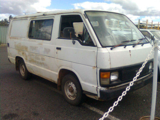 1988 TOYOTA HIACE YH53 5 SP MANUAL 2.2L CARB TRANSMISSION/GEARBOX