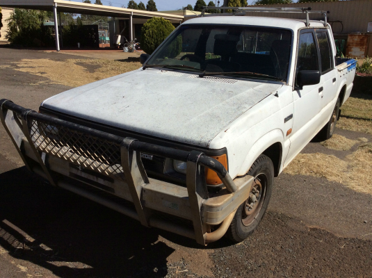 1991 MAZDA B2200 DLX 5 SP MANUAL 2.2L CARB DOOR LF