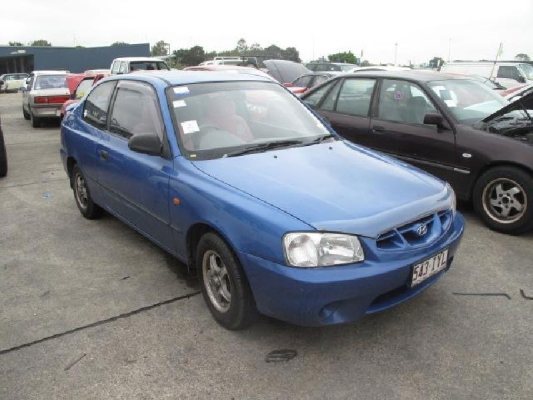 2001 HYUNDAI ACCENT LC 5 SP MANUAL 1.5L MULTI POINT F/INJ COMPACT DISC PLAYER