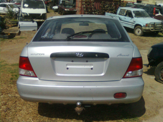 2000 HYUNDAI ACCENT LC 5 SP MANUAL 1.5L MULTI POINT F/INJ AIRBAG RF