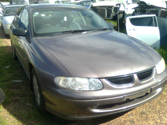 1998 HOLDEN COMMODORE VT EXECUTIVE 4 SP AUTOMATIC 3.8L MULTI POINT F/INJ DOOR LOCK ASSEMBLY RF