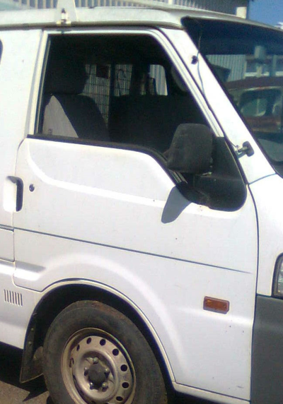 2001 MAZDA E2000 SH92 (SWB) 5 SP MANUAL 2.0L CARB DOOR RF