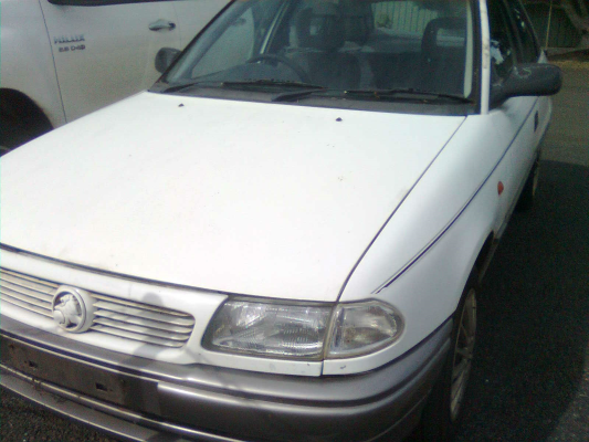 1998 HOLDEN ASTRA TR 5 SP MANUAL 1.8L MULTI POINT F/INJ AIR BOX TUBING