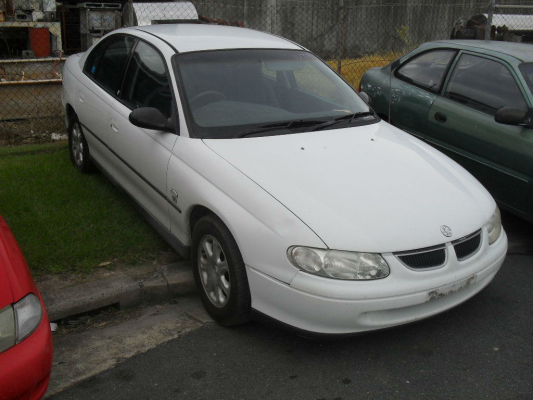 2000 HOLDEN COMMODORE VTII EXECUTIVE 4 SP AUTOMATIC 3.8L MULTI POINT F/INJ SEAT RF