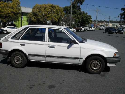 1989 MAZDA 323 SHADES 3 SP AUTOMATIC 1.6L CARB COMPLETE VEHICLE
