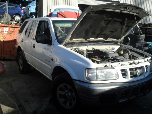 2001 HOLDEN FRONTERA 5 SP MANUAL 4x4 3.2L MULTI POINT F/INJ