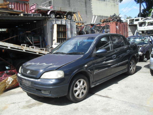 2002 HOLDEN ASTRA TS 5 SP MANUAL 1.8L MULTI POINT F/INJ STRUT RF