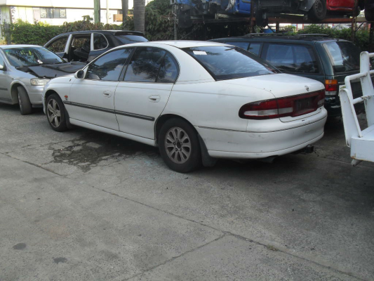 2000 HOLDEN COMMODORE VTII 4 SP AUTOMATIC 3.8L MULTI POINT F/INJ DOOR MIRROR ELECTRIC LF