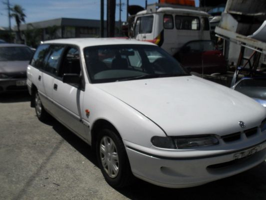 1996 HOLDEN COMMODORE VS EXECUTIVE 4 SP AUTOMATIC 3.8L MULTI POINT F/INJ TAILGATE