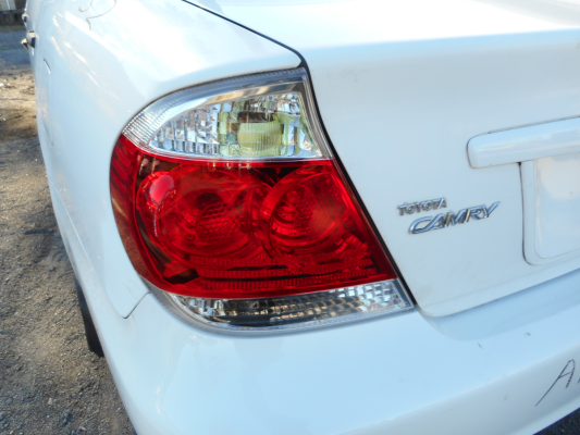 2005 TOYOTA CAMRY ALTISE 4 SP AUTOMATIC TAIL LIGHT LEFT