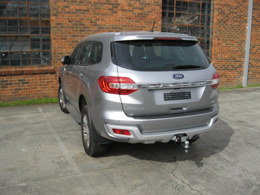 2016 FORD EVEREST UA TREND 6 SP AUTOMATIC 3.2L DIESEL TURBO F/INJ TAIL LIGHT LEFT